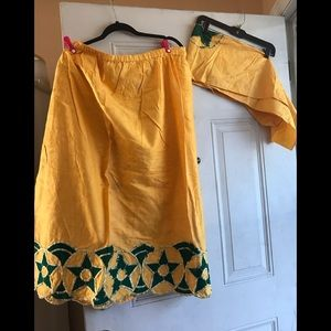 Dresses & Skirts - Skirt with matching head wrap